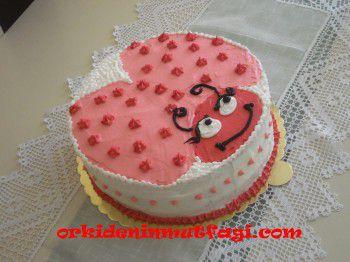 Uğur böcekli pasta