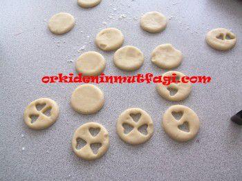 Değişik şekillerde elmalı kurabiye