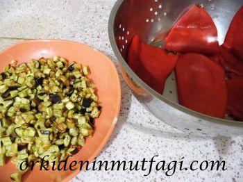 patlıcanlı kırmızı biber dolması