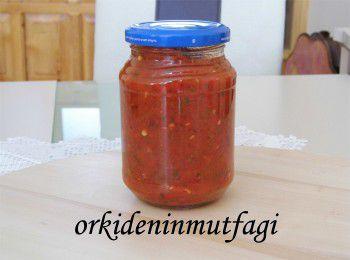 kırmızı biberli domates sos