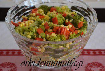 soslu brokoli salatası